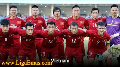 http://ligaemas.blogspot.com/2016/11/hari-ini-skuad-vietnam-berangkat-ke.html