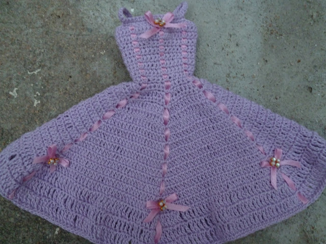 Vestido e Acessórios de Crochê Para Barbie em: Novas Versões de Um Mesmo Modelo 5