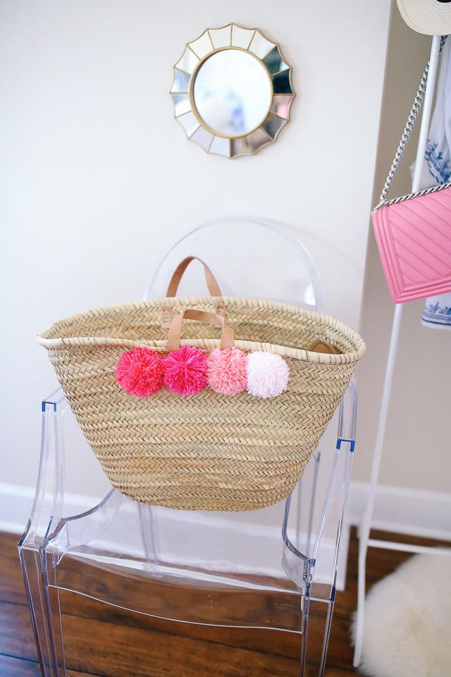 Pom pom beach bag