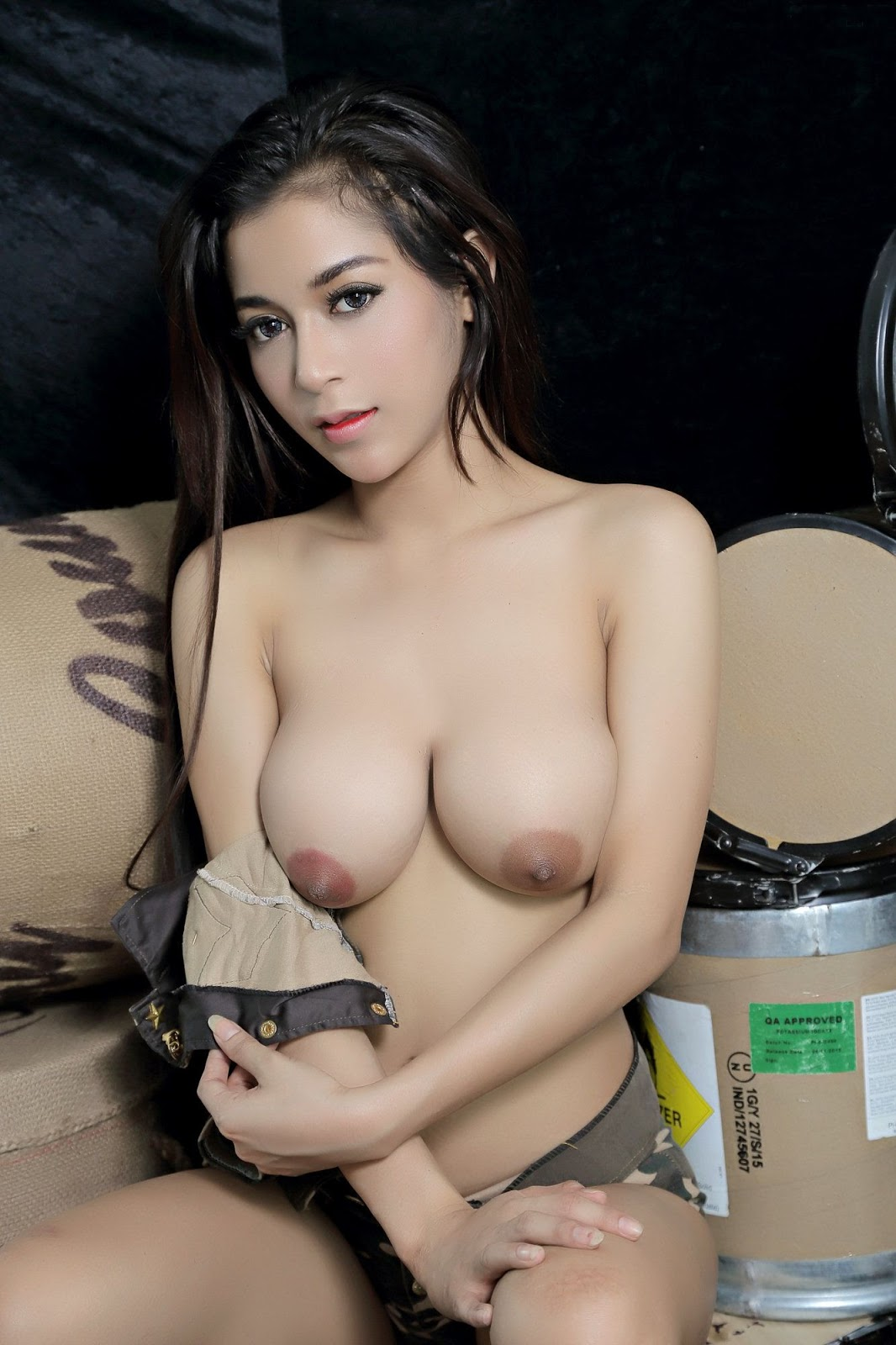 thai naked female model