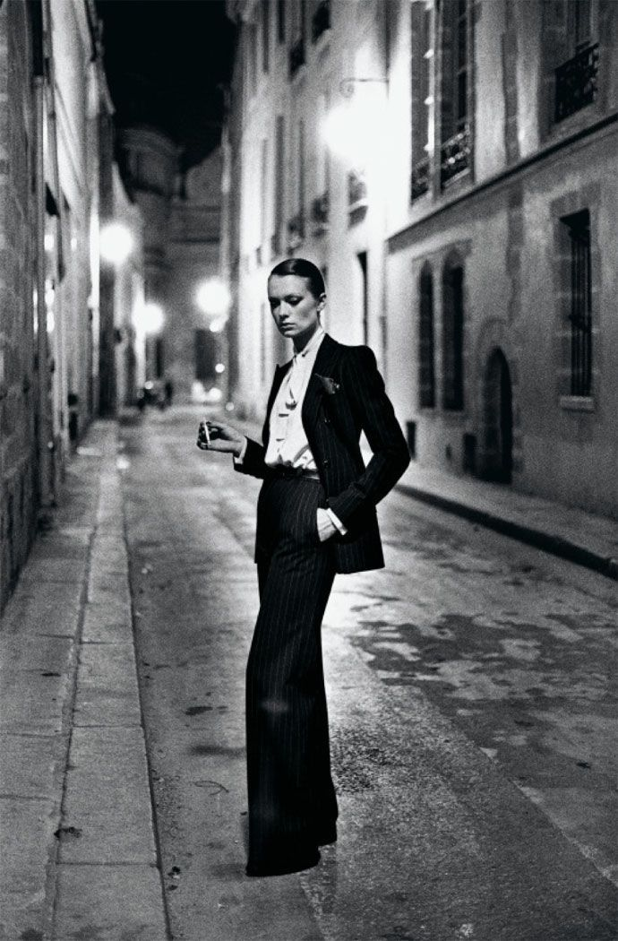 To πρώτο γυναικείο tuxedo του Yves Saint Laurent(1966) προκάλεσε δημόσιο  σκάνδαλο και παραμένει μέχρι σήμερα a10cb143b11