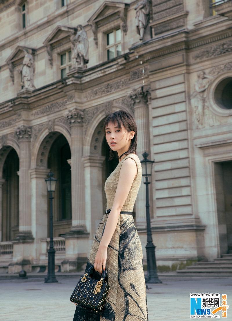 Street shots of Wang Ziwen in Paris