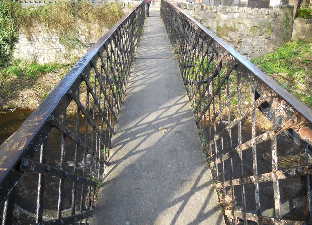 Walk the River Dodder in Dublin - Footbridge