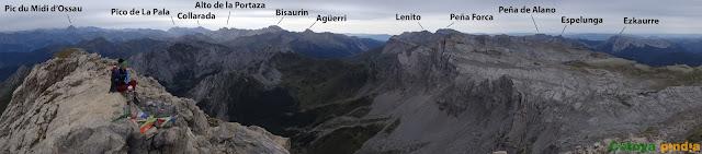 """Ruta a la Mesa def los Tres Reyes """"techo de Navarra"""" desde el Refugio de Linza en el Valle de Ansó."""
