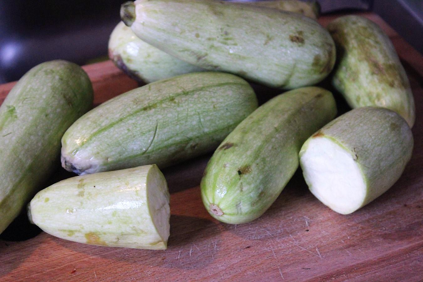 glatzkochs welt zucchini in der grillpfanne. Black Bedroom Furniture Sets. Home Design Ideas