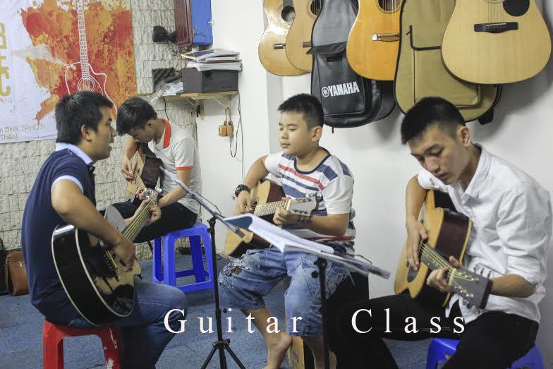 học đàn guitar đệm hát quận tân bình 2