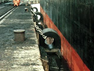 harga dan jenis karet fender dermaga pelabuhan tipe cone tipe D