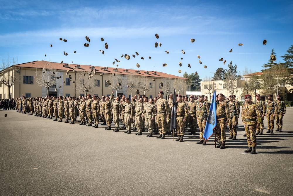 Il Centro Addestramento Paracadutismo di Pisa abilita 114 nuovi  paracadutisti. b28ea9ae52af