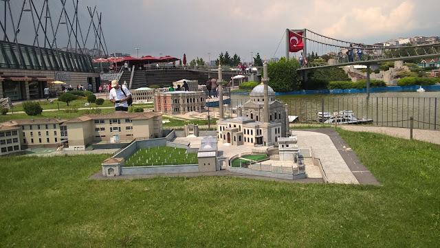 Miniatürk Boğaz Köprüsü