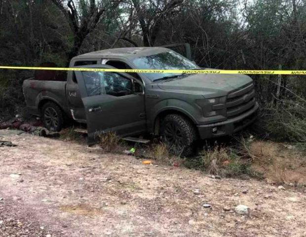 Llegan a Reynosa 6 cuerpos de sicarios abatidos en Cd Mier en narcocapamanento quienes se pusieron al tu por contra Marinos con barret .50 y lanzagrandas