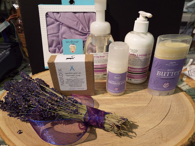Rocky Mountain Lavender , Neob Lavender, Lavender bunches, the Camellia