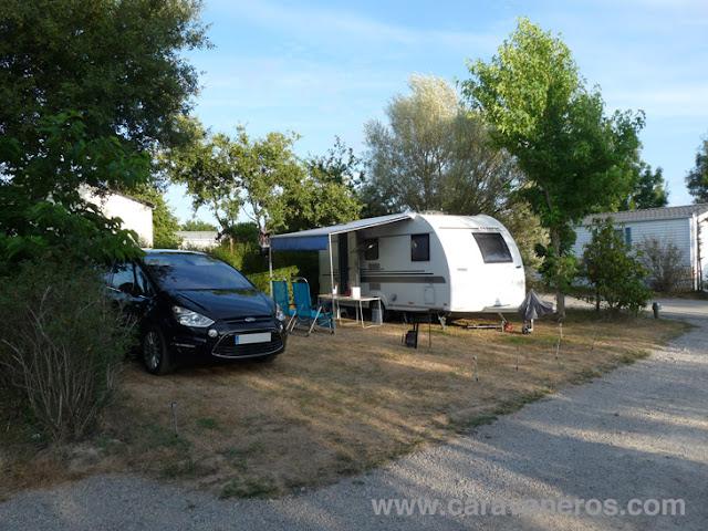 Foto del Camping La Chenaie. Amplias parcelas con sombra | caravaneros.com