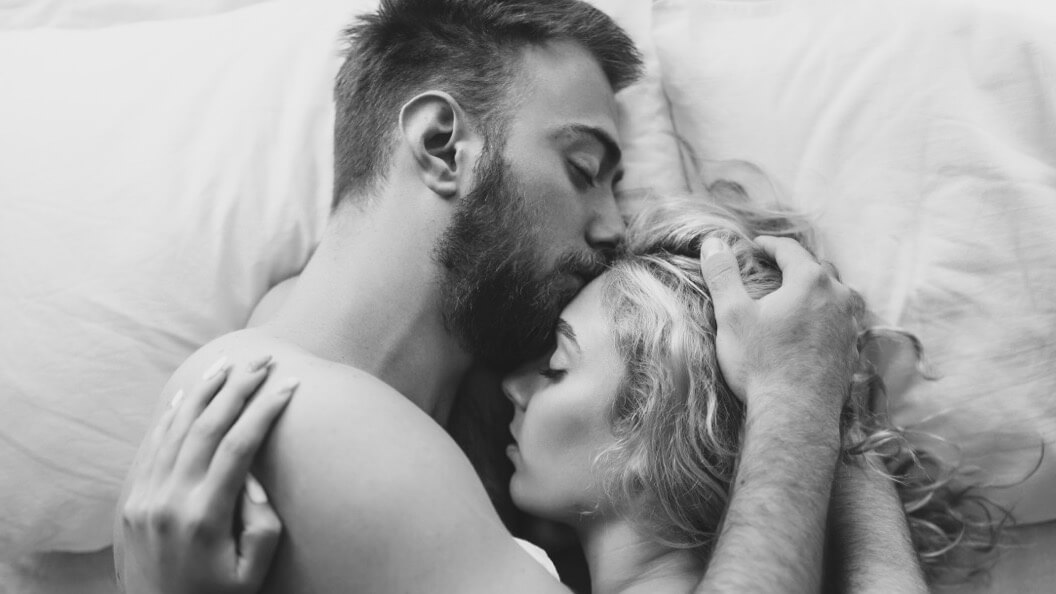 8 Ways To Understand If He's In Love With You