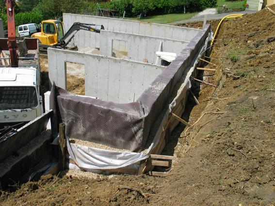 tanch it mur enterr maison bande transporteuse caoutchouc. Black Bedroom Furniture Sets. Home Design Ideas
