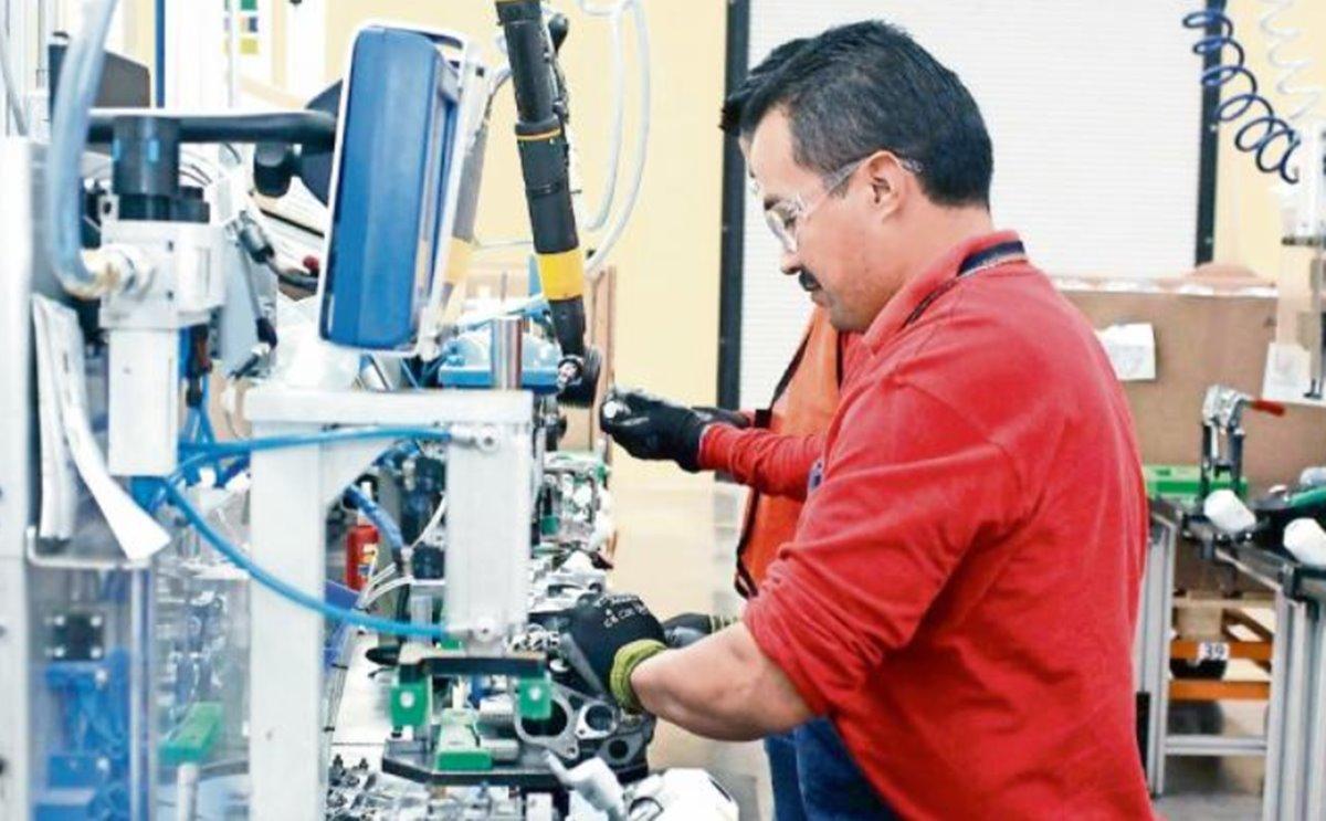 Por que un obrero en EU puede ganar hasta 35 dolares por hora y en México apenas 3 usd