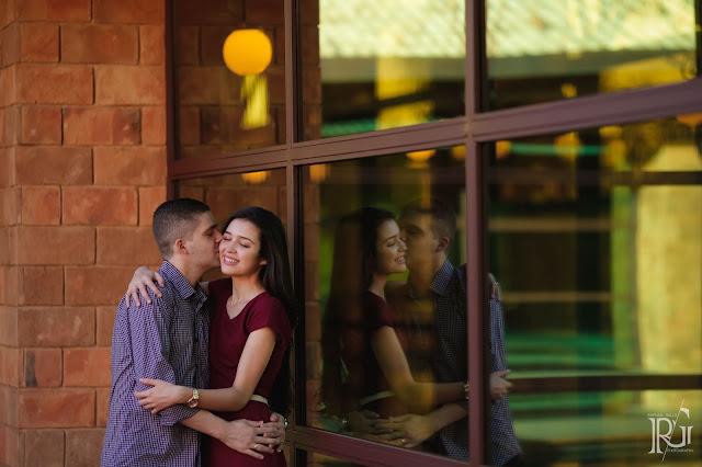 raphael gallo, ensaio romântico, prévia romântica, natureza, pôr do sol, haras, e-session, pré wedding, rústico, noivos, parede de tijolos