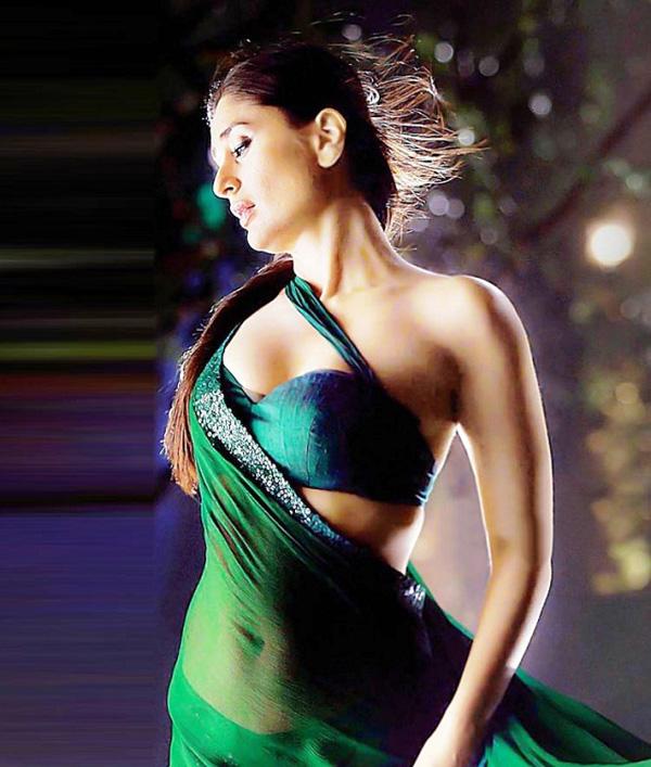 Desicommentfirst Kareena Kapoor Sex Wallpaper-9758