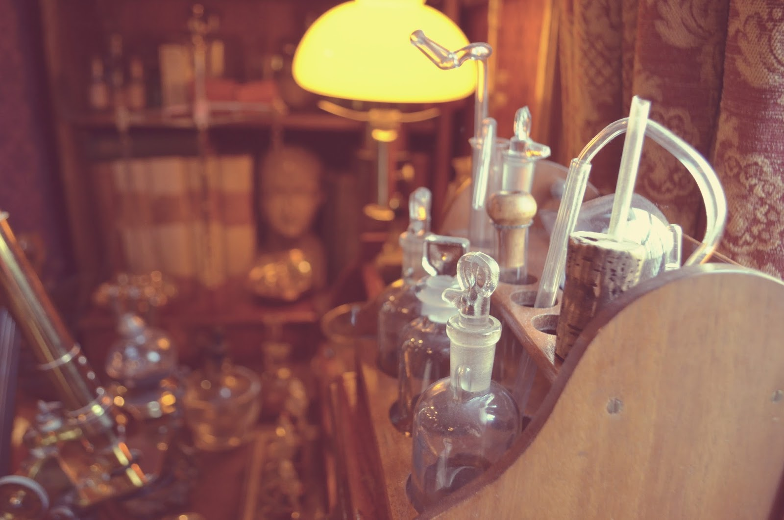 Sherlock Holmes Scientist bottles
