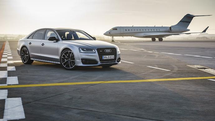 Wallpaper: Audi S8