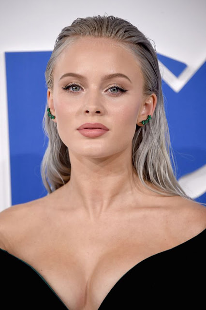 http://www.lush-fab-glam.com/2016/09/mtv-vmas-red-carpet-fall-makeup-trends.html