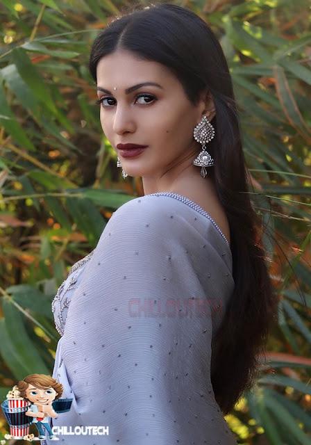 Amyra Dastur recent picture