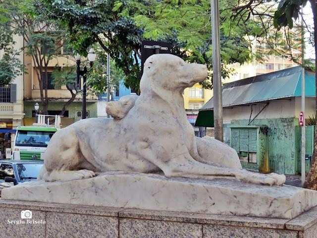 Close-up da Escultura Amor Materno - Largo do Arouche - São Paulo