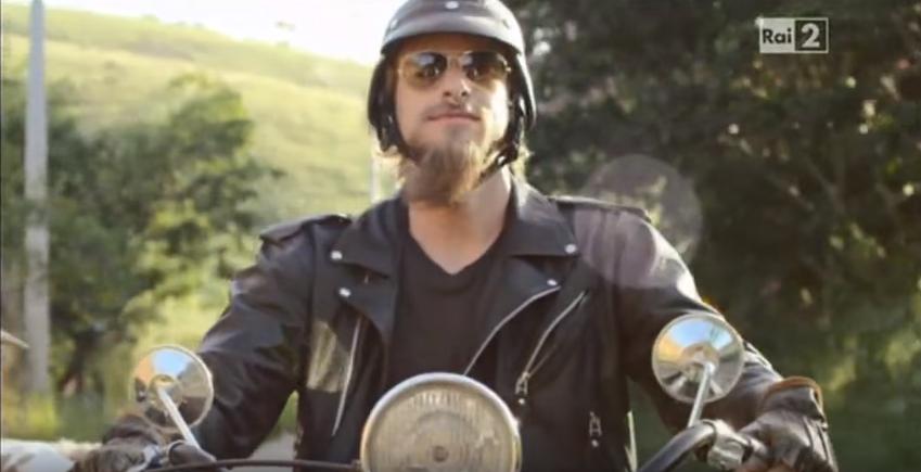 Pubblicità Tuc Capretta e Motociclista con Foto - Spot Pubblicitario 2016
