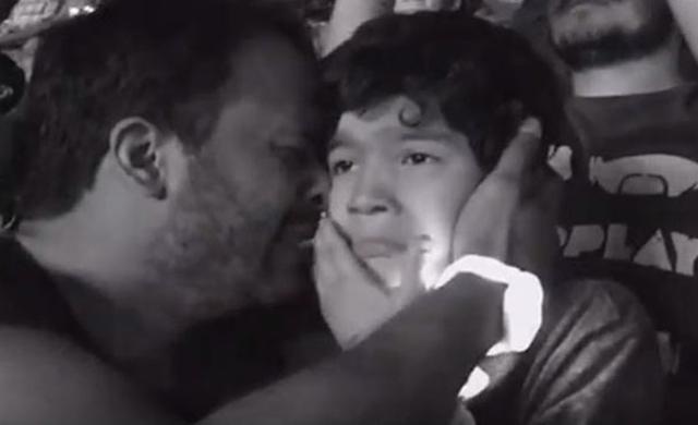 Pai leva filho autista a show do Coldplay e o resultado é emocionante