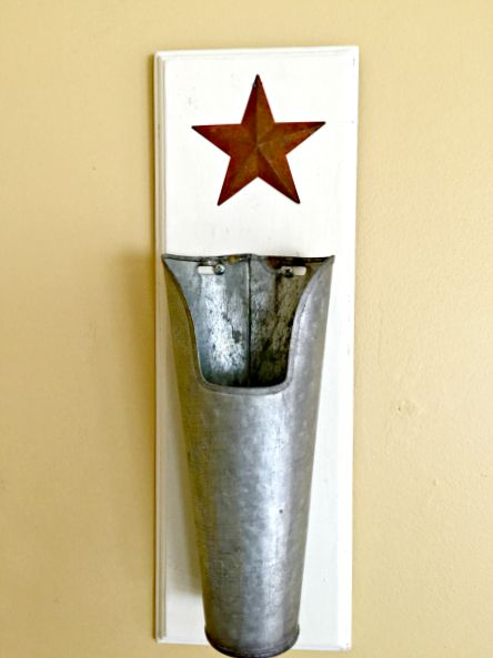 Galvanized steel wall vase www.homeroad.net
