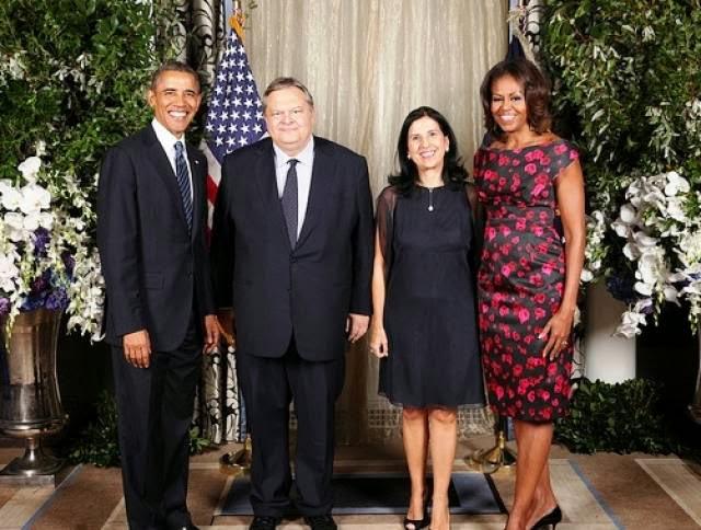 Τι ψώνιο θεέ μου να φωτογραφηθεί ο Βενιζέλος με τον Ομπάμα. Αυτός ήταν ο  μεγάλος πόθος του. Αλλιώς πήρε εντολές και δεν μίλησε κάν με τον Ομπάμα! c630c743e1c