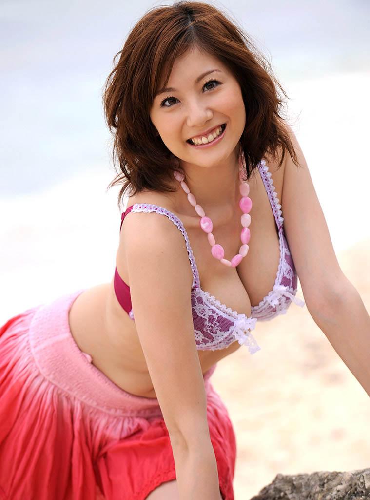 yuma asami hot topless pics 02
