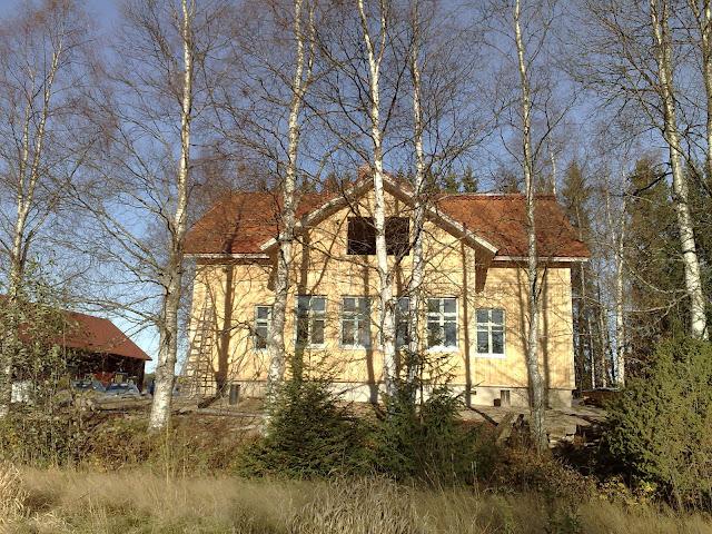 komea talo rakentumassa