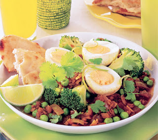 Eggs With Spicy Peas and Lentils Recipe