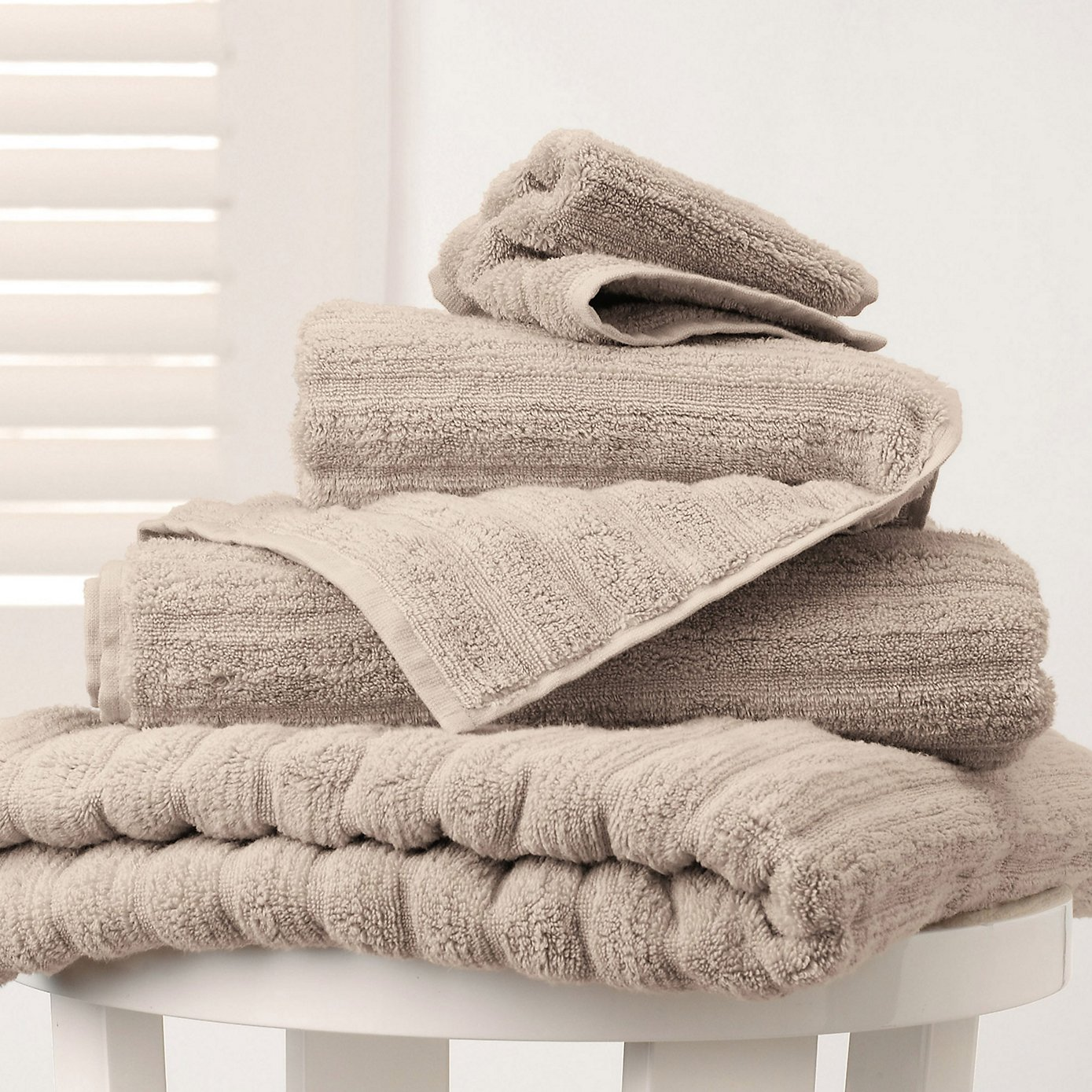 V i babymamas how to create a spathroom at home with for How to get towels white
