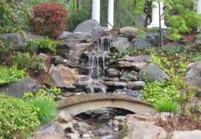 taman gemericik air rumah minimalis modern