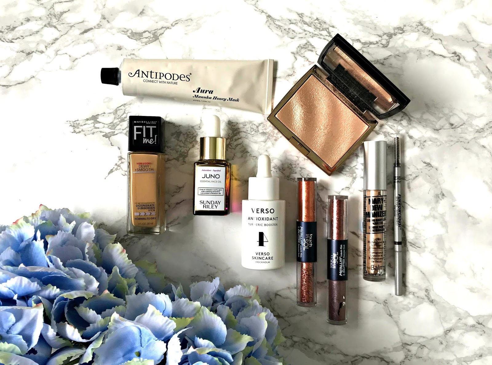 Anastasia Beverly Hills Amrezy Highlighter, Antipodes Aura Mask, Favourites, Maybelline Fit Me, Sunday Riley Juno Oil, theBalm Furrowcious, theBalm Mary-Dew Manizer, Touch In Sol, Verso Turmeric Booster,
