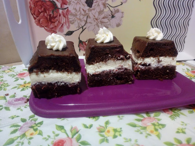 ekspresowa wuzetka ciasto wz ciasto czekoladowe z dzemem i bita smietana ciasto z mikrofali ciasto z kremem szybkie ciasto czekoladowe wilgotne ciasto