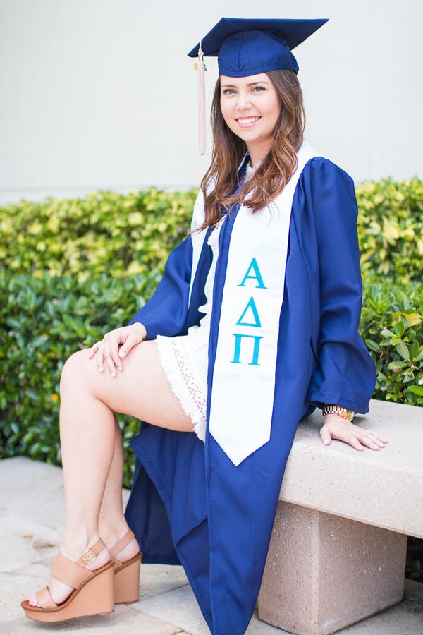 South Florida fashion blogger graduates college.