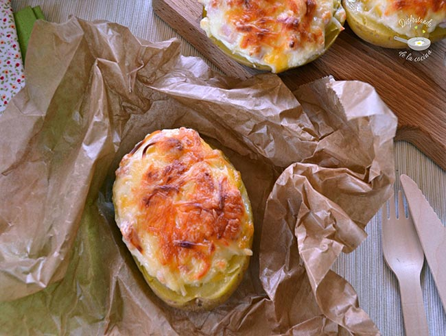 Patatas rellenas de pavo y queso
