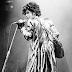 Prince, aos 57 anos, foi encontrado morto em seu estúdio :(