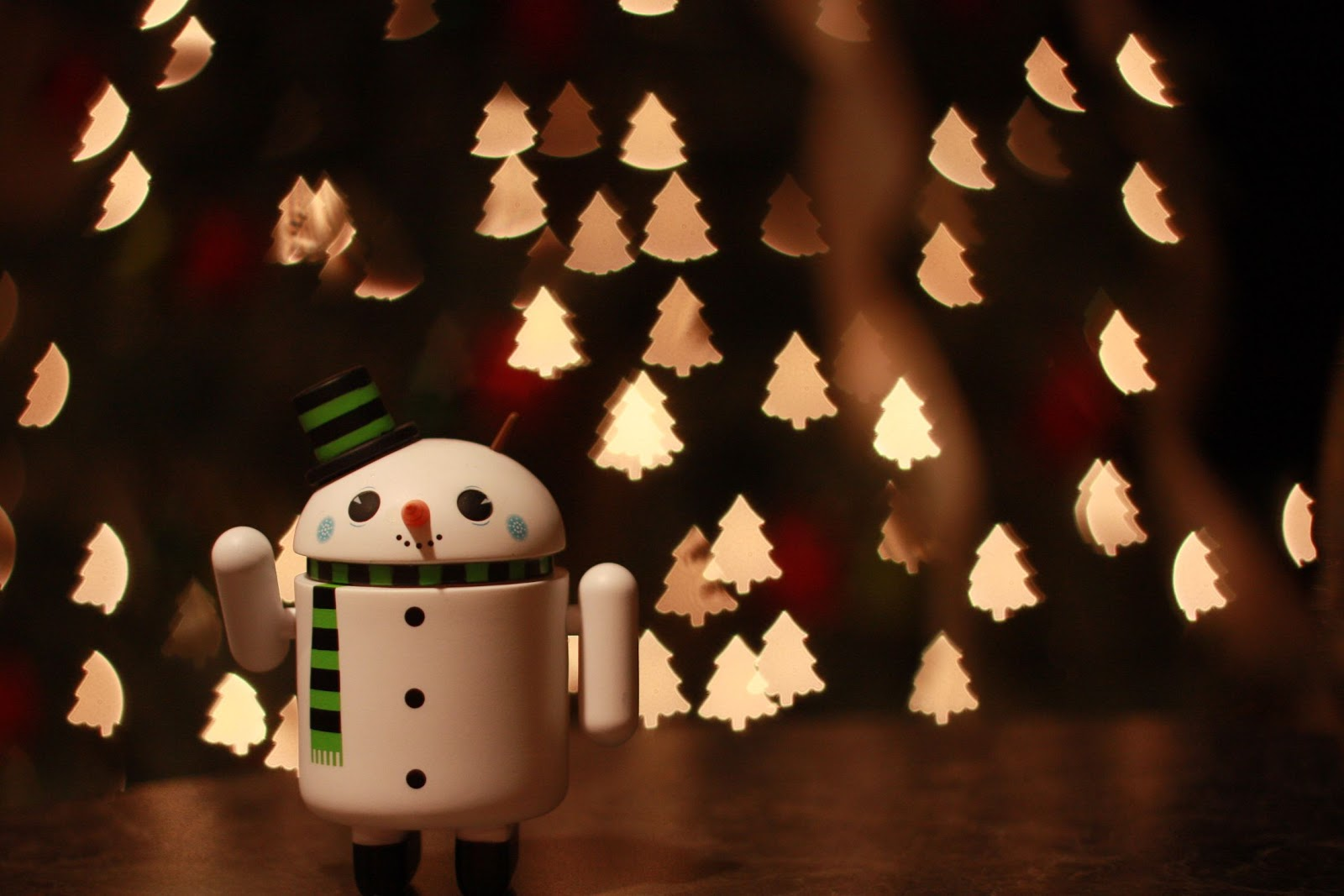 Xmas Images: Christmas Wallpapers For Android