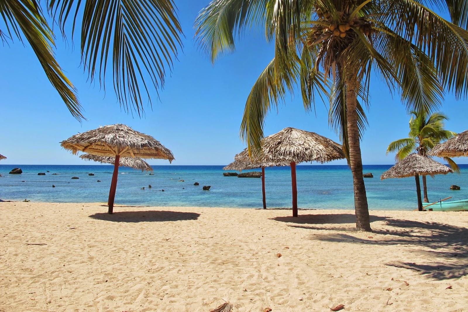 Praia Maria Aguilar, no Mar do Caribe de Cuba, na Península Áncon.