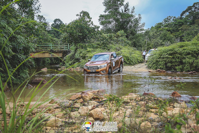 Off road trail driving experience near Jerangkang Waterfalls, Pahang