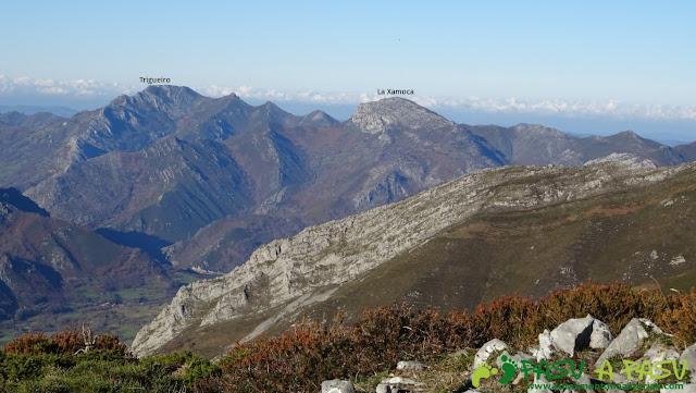 Vista de la Xamoca y Trigueiro desde Peña Riegos