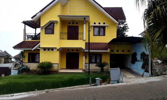 Villa Diva Kota Batu Kolam Renang 6 Kamar Tidur