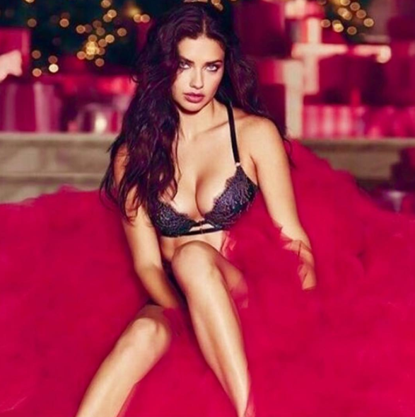 Adriana Lima Exclusive Hot Photo Gallery