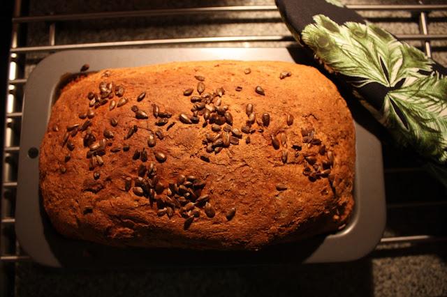 porkkanainen vuokaleipä raskilla raski leipä porkkanaleipä