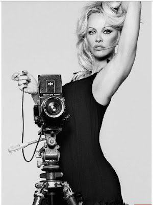 Pamela Anderson glamour
