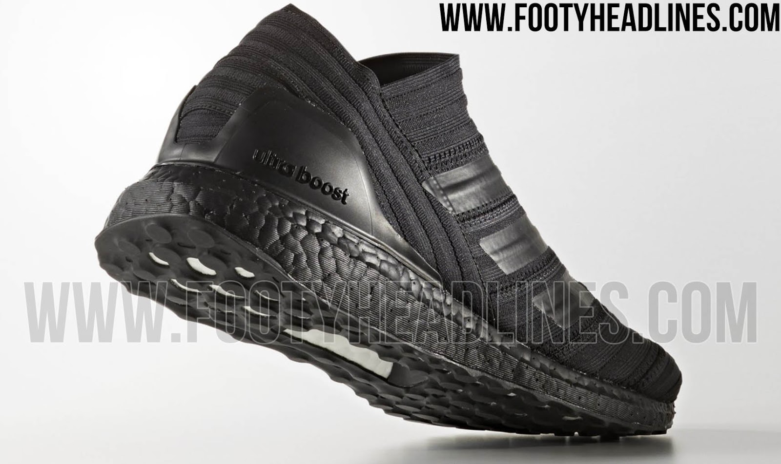 adidas boost blackout