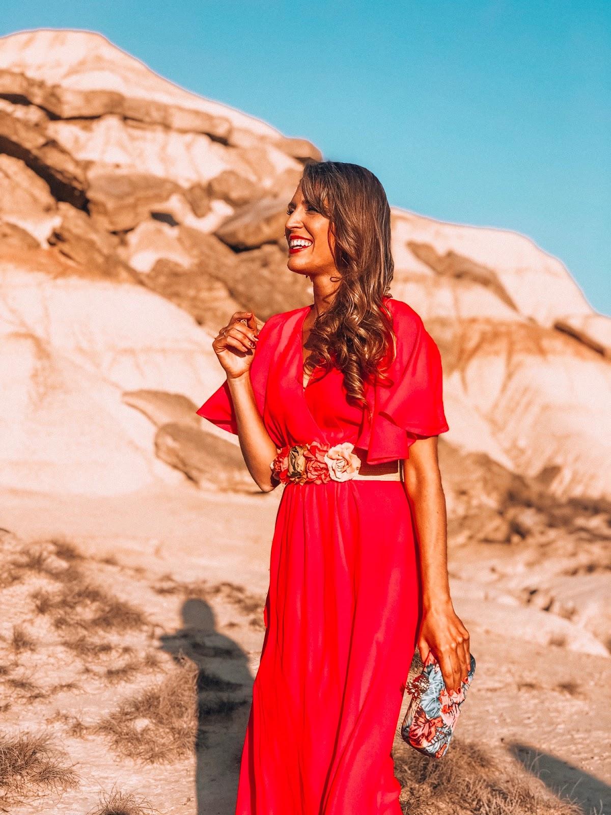 look de fiesta vestido rojo